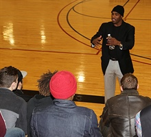 Alum Inspires Men's Hoops Team Thursday, January 14, 2016